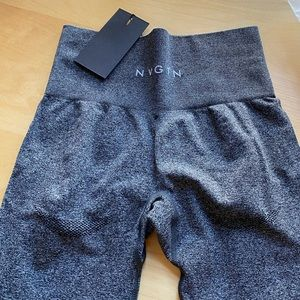 SOLDOUT NVGTN Black Speckled Seamless Leggings XS